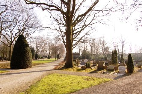 43. Begraafplaatsen