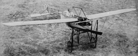 Afb 1_Bahle in zijn Blériot_De revue der sporten 22-02-1911_Delpher vd KB