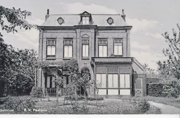 1935-RKPastorie+veranda_Gellicum_Paul van Mook