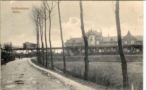 01_Geldermalsen_1900_Station vanaf Genteldijk_WvdB