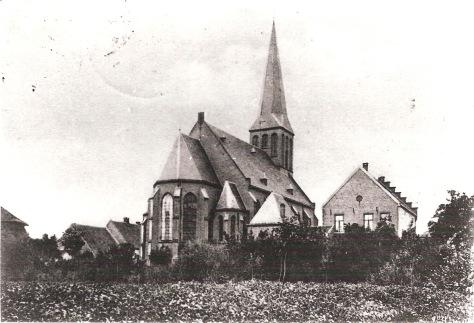 04_Beesd_onb_RK kerk vanaf Linge_RT.jpg