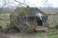 Een van de bunkers van Fort Asperen, ooit een verdedigingswerk, hier in gebruik als kunstfort. Foto: Arthur Eerelman-Hanselman, 2012.